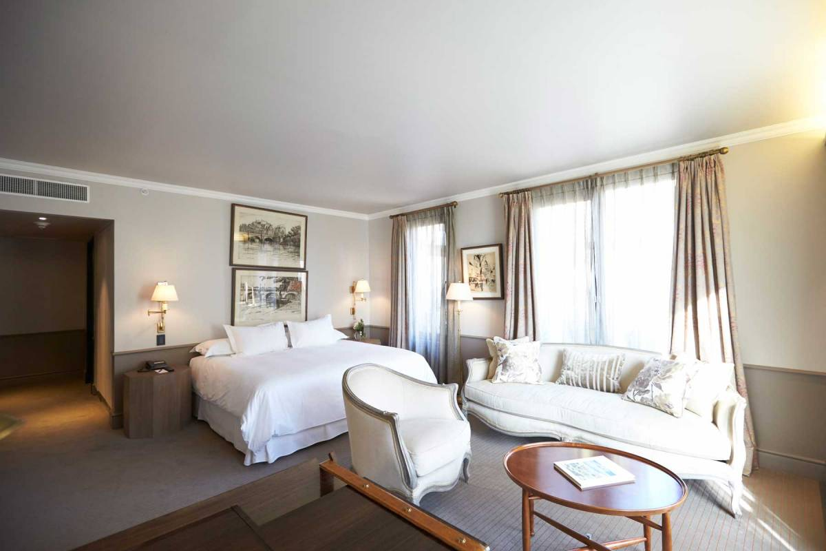 The Singular Santiago Cama Suite